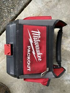 Milwaukee 48-22-8310 PACKOUT 10 in. Tote Used
