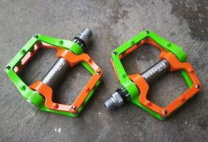 Road MTB Mountain Bike XC Bicycle Pedal Flat-Platform Pedals magnesium alloy 528