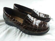 Clarks Womens Shoes Bendables Size 9.5 M Black Patent Faux Alligator Slip Ons