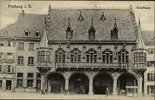 Freiburg im Breisgau Postkarte ~ 1910 Straßenpartie am Kaufhaus Erker Personen