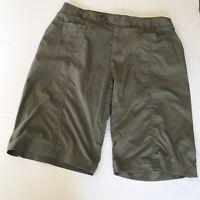Royal Robbins Womens Size 8 Shorts Bermuda Walking Hiking Nylon Travel Green