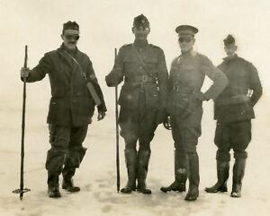 VINTAGE WORLD WAR? WW? MILITARY WINTER UNKNOWN EXPEDITION UNIFORMS GOGGLES PHOTO