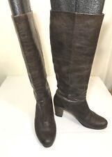 Frye Nora 16L Dark Braun Distressed Patent Patent Distressed Leder Knee High Pleated cf1ed1