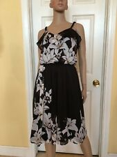 WHITE HOUSE BLACK MARKET floral dress size 4