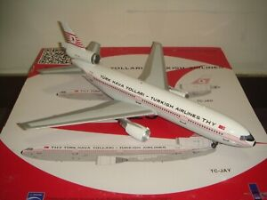 """Inflight 200 Turkish Airlines TK DC-10-10 """"1976s color - Istanbul"""" 1:200 DIECAST"""