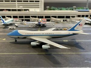 Dragon Wings 1:400 Air Force One VC-25A 747-200 28000 55544
