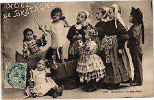 CPA  Noel de Bretagne -Distribution du Petit Noel     (206231)