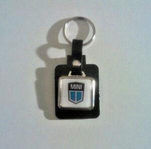 Classic Mini Badge Leather/Metal Keyring