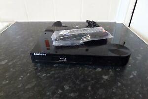 SAMSUNG BD-F1500 Blu-Ray DVD Player USB HDMI + Remote