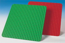 LEGO 9071 - Duplo: Supplemental - Duplo Building Plates 24 x 24 - Red & Green