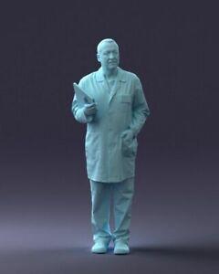 MM004 Fine Scale Model Figure 1:76/OO Male Doctor