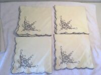 4~Vintage Embroidered Cloth Napkins Flower On Ivory Scalloped Edge