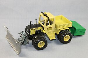 Siku 3451 MB-Trac mit Salzkiste und Pflug Farmer-Serie im Maßstab 1/32