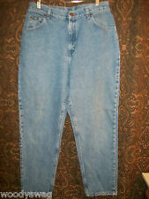 Lee Original Jeans Size 32 X 30 pre owned Inseam 30 Waist 32