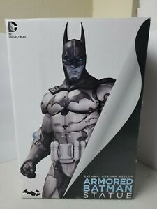 DC Comics Armored Batman Resin Statue Arkham Asylum Dark Knight - Rare Figure