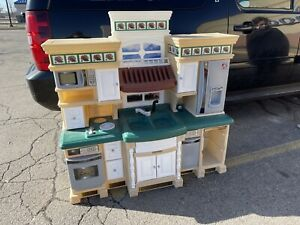 """deluxe step 2 kitchen life style 48.5""""H x 49""""W x 18.5""""D Play Kitchen Can """"Uship"""""""