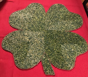 """St Patrick's Day Beaded Mat Placemat Centerpiece Charger 15"""" Green Shamrock"""