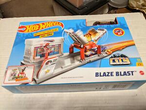 Hot Wheels City Blaze Blast Track Set NEW SEALED by Mattel