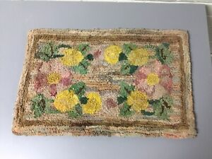 """ANTIQUE PRIMITIVE FOLK ART FLORAL HOOKED PILLOW COVER CHAIR PAD RUG 19 X 12"""""""