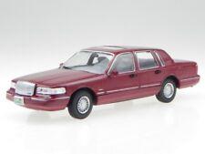 Lincoln Town Car red 1996 modelcar WB133 Whitebox 1:43