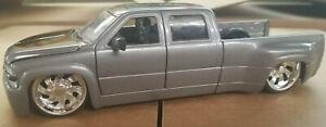Jada Just Trucks 1999 Chevy Silverado Dooley 1:24 Scale Diecast