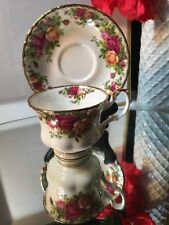 Royal Albert  OLD COUNTRY ROSES FOOTED TEA CUP AND SAUCER 1962 ENGLAND