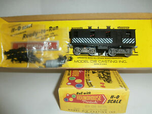HO MDC, Roundhouse Decorated, No Name Box Cab Diesel Powered Kit, LNIB