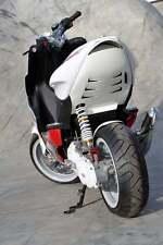 Heckdurchgang Unterboden Heck MTKT Verkleidung in Weiss Yamaha Aerox MBK Nitro