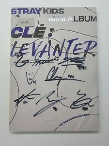KOREA MUSIC] STRAY KIDS - [CLE : LEVANTER] MINI Album CD K-POP (Signed CD)
