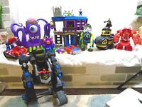 Imaginext DC Fisher Price Super Friends HUGH Lot Of Batman Buildings ,Figures