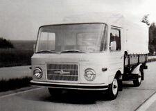 Ansichtskarte: Barkas B1000 Prototyp Pritschenwagen auf Erprobungsfahrt, DDR