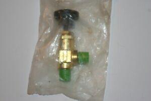 1/8 MNPT  Brass Screwed-Bonnet Angle Needle Valve Swagelok Nupro  B-2JNA2