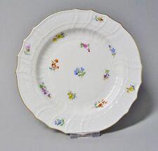 (G988) Meissen Neubrandenstein Teller mit Streublumen, Goldrand, D= 18 cm