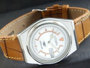 VINTAGE CITIZEN AUTOMATIC 8200 JAPAN MENS DAY/DATE WATCH 438a-a219589-9