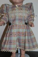 Puppenkleid mit Spitze - ca. 55 -60 cm große Puppen