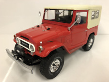 Toyota Land Cruiser FJ40 Red 1967 Closed Soft Top 1:18 Scale T9