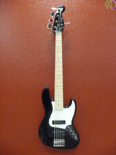 Squier Contemporary Active J Bass 5 String, Maple Fretboard, Black Finish