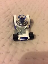 Hot Wheels Character Car : 2017 Hot Wheels Star Wars Character Car R2-D2 - Used