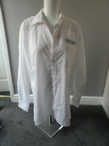 Bnwot new Triumph premier men`s white long sleeved shirt collar size 15.5