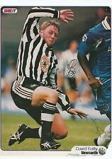 David chiflada Newcastle Utd B lambourde & F Baiana Orig Firmado Revista De Corte