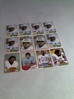 Houston Oilers:  Lot of 32 cards.....11 DIFFERENT / Football