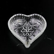 ADORABLE DETAILED HEART SHAPE GLASS KEY HOLDER