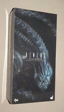 Alien Warrior Sixth Scale Figure Hot Toys Sideshow Aliens NEW