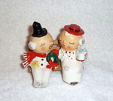 Vintage Christmas Couple Shoppers Bench Kissing Salt and Pepper Kelvin's Japan