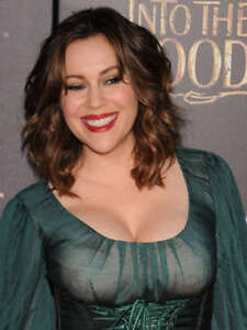 GLOSSY PHOTO PICTURE 8x10 Alyssa Milano Actress With Big Breasts