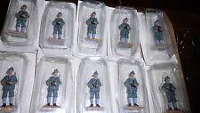 lot de 10 soldats 6,5 cm  en plomb , neufs sous blister ..