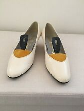 Vintage BRIDAL RUSSELL & BROMLEY Wedding Shoes Ivory Leather - Size 3.5/4