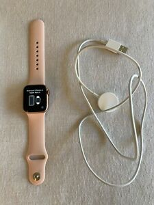 Apple Watch SE 40mm Gold Aluminum Case with Pink Sand Sport Band - Regular (GPS)