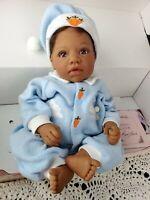 "Lee Middleton ""BUNNY DREAMS"" Brown Vinyl Baby Doll Black African American COA"