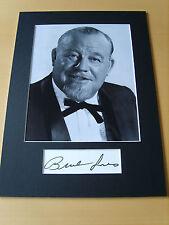 Burl Ives Genuine Autograph - UACC / AFTAL.